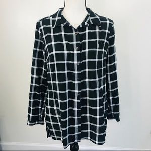 DR2 black white checkered flannel button down M